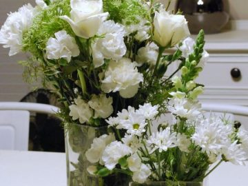 How to keep flowers in a vase for more days